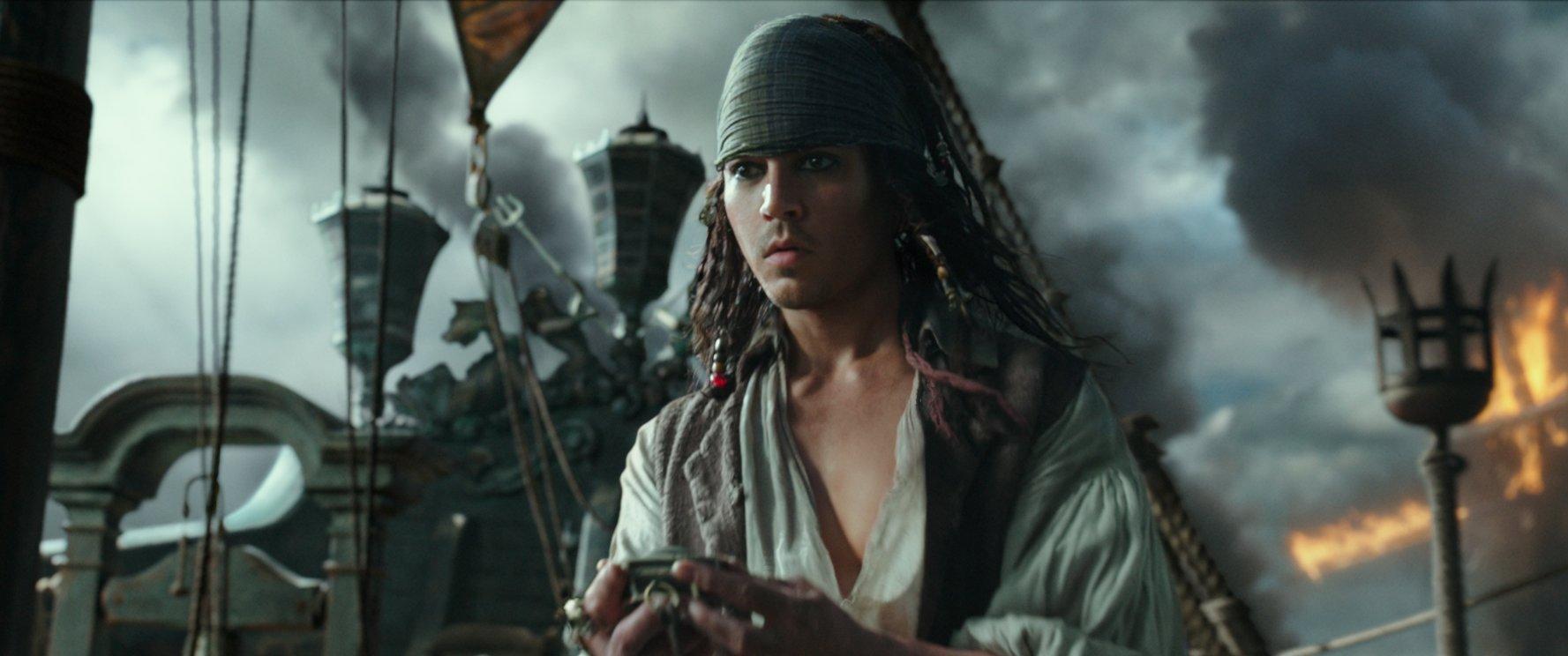 Новый промо-ролик «Пиратов Карибского моря 5» | 744x1777