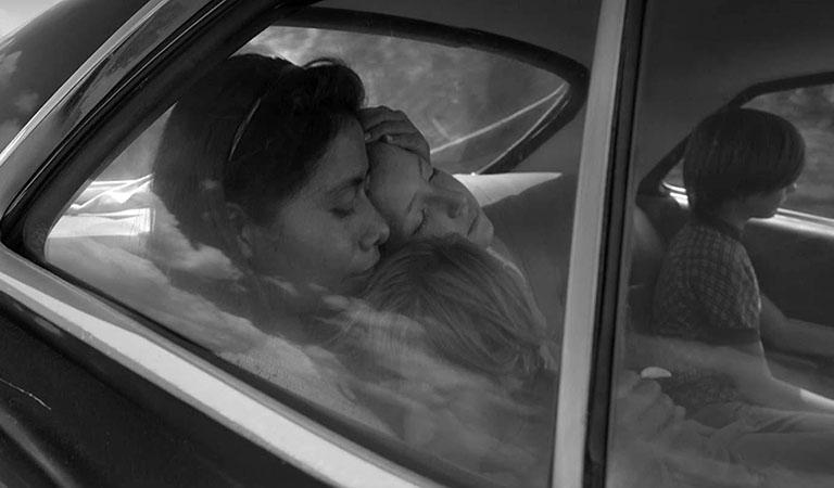 Кадр из фильма «Рома»
