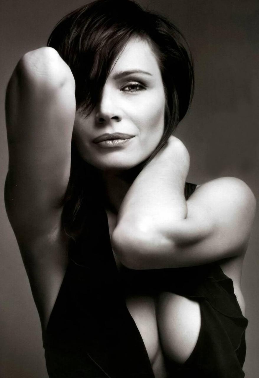 Elizabeth Hilden,Juliet Cowan Sex tube Billie Mae Richards,Anne Hathaway born November 12, 1982 (age 35)